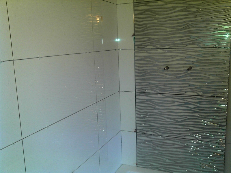 Image gallery for Large glass tiles for bathroom